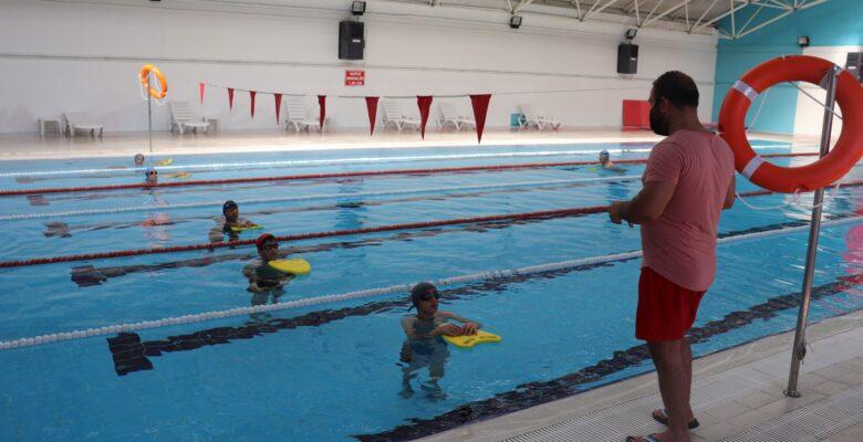 'Yüzme Bilmeyen Kalmasın' Projesi Kaldığı Yerden Devam Ediyor