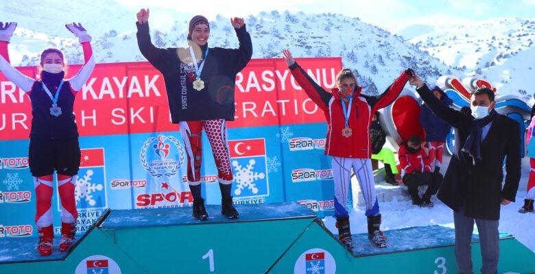 Ağrılı sporcu Berfin Balkis Türkiye şampiyonu oldu