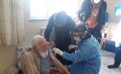 Ağrı'da filyasyon ekipleri karlı yolları aşıp, aşı yapıyorlar