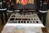 Ağrı'da tefecilere yönelik operasyonda gözaltına alınan 5 zanlı tutuklandı