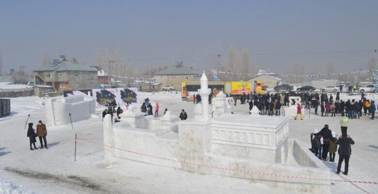 """Ağrı'da düzenlenen """"Ağrı kar ve buz festivali"""" başladı"""