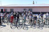 Bakan Kasapoğlu, Ağrı'da öğrencilere verdiği sözü tuttu
