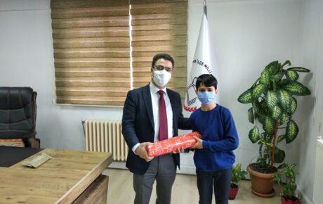 Hamur'un genç satranç oyuncusu Ağrı il birincisi oldu