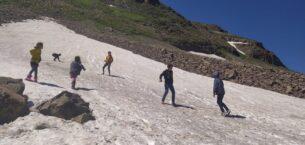 Ağrı'da Haziran ayında kartopu ve kayak keyfi