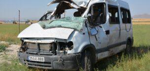 Ağrı'da trafik kazası: 3 ölü, 14 yaralı