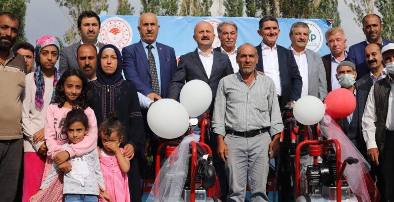 Ağrı'da, Süt Sağım Ünitesi Dağıtım Programında yatırım müjdeleri verildi