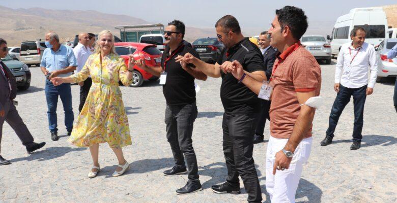 Türkiye'nin dört bir yanından gelen muhtarlar, Ağrı'ya hayran kaldı