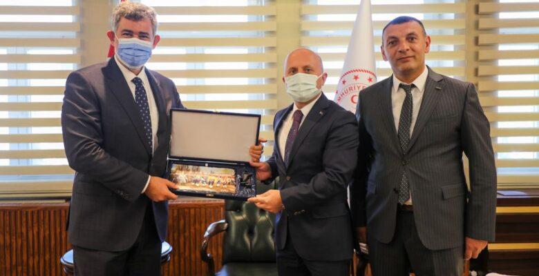 """Feyzioğlu: """"Yargı üzerine toz konmaması lazım"""""""